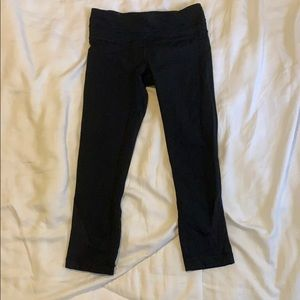 Lululemon 3/4 black inspire tights